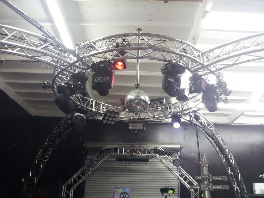 Bolt System Aluminum Lighting Circle Truss / LED Screen Truss
